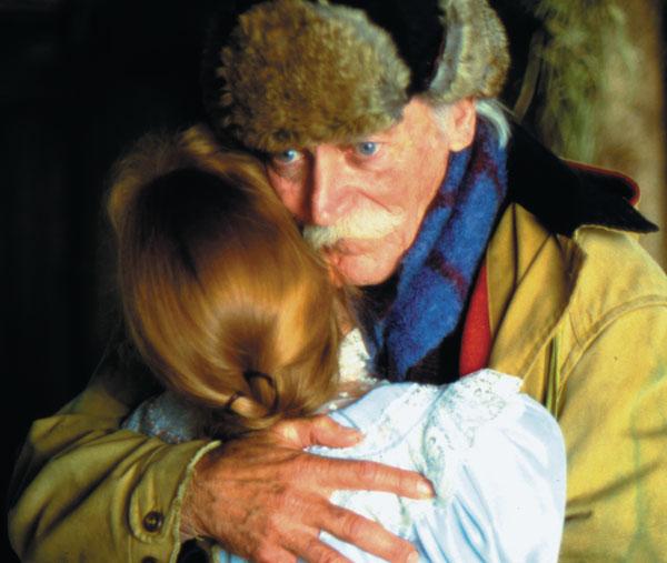 Matthew-hugging-Anne-for-IMDB11